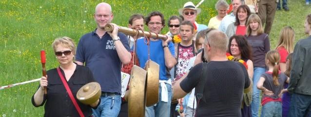 Leverkusen bildet Menschenkette gegen geplante Raststätte