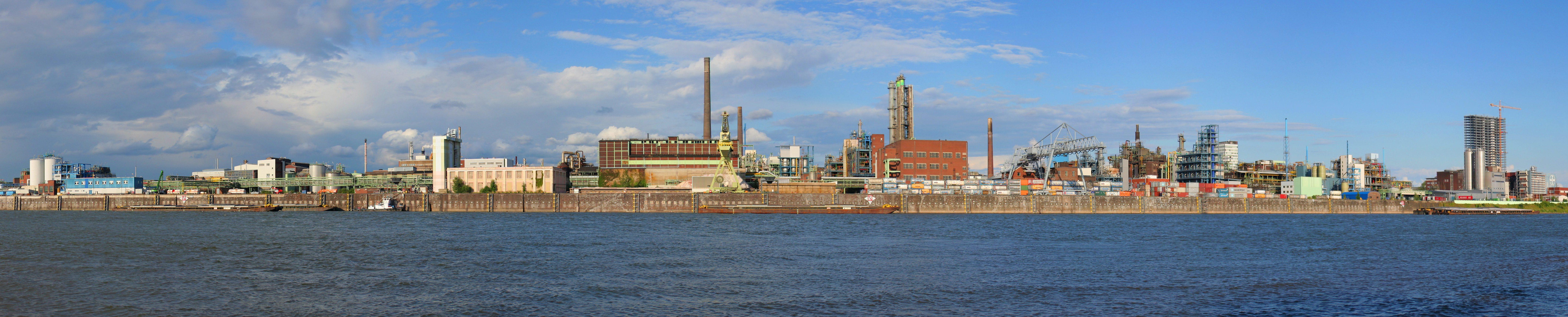 Panorama des Chemparks (CC BY-SA-A.Savin)